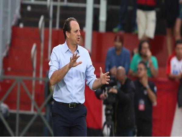 São Paulo demite Rogério Ceni
