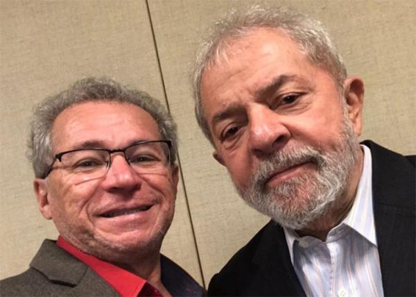 Assis anuncia visita de Lula ao Piauí em ato na capital por eleições diretas