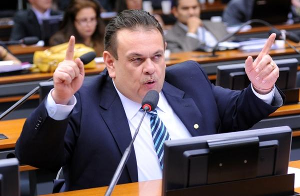 Deputado do Piauí quer a lei da ficha limpa dos logradouros públicos