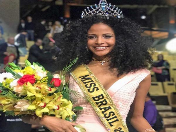 Eleita Miss Brasil, Monalysa Alcântara é alvo de críticas nas redes sociais