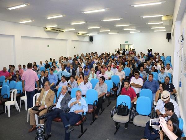 Prefeitos piauienses participam de audiência com bancada federal e cobram apoio à causa municipalista