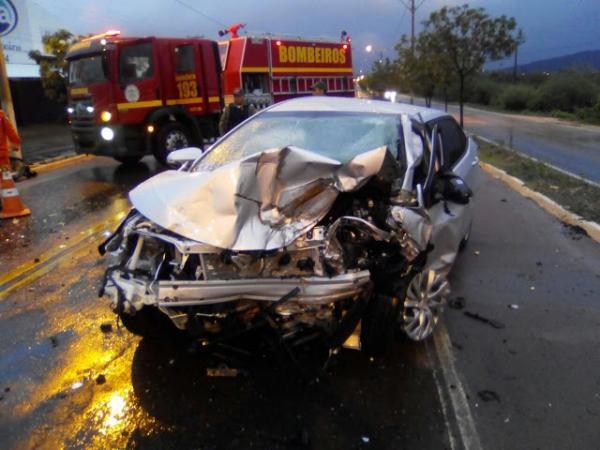 Grave acidente deixa duas pessoas mortas na BR 316 em Picos