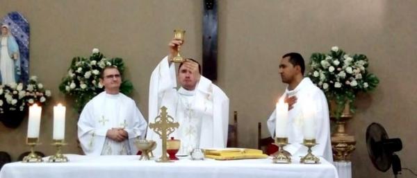 Vários Fiéis participaram da Sétima Noite de Novena/Missa de São Francisco