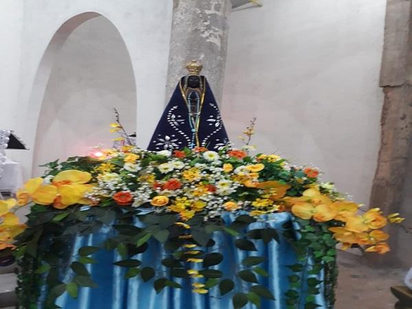 Comunidade Morro da AABB em Picos celebra primeira noite de novena de Nossa Senhora Aparecida