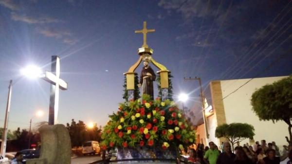 Milhares de Fiéis acompanharam a Tradicional Festa de São Francisco