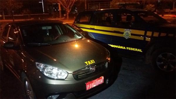 PRF apreende R$ 100 mil em táxi no Piauí às vésperas das eleições