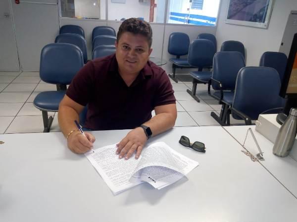 Prefeito assina contrato junto ao ministério das cidades via caixa econômica