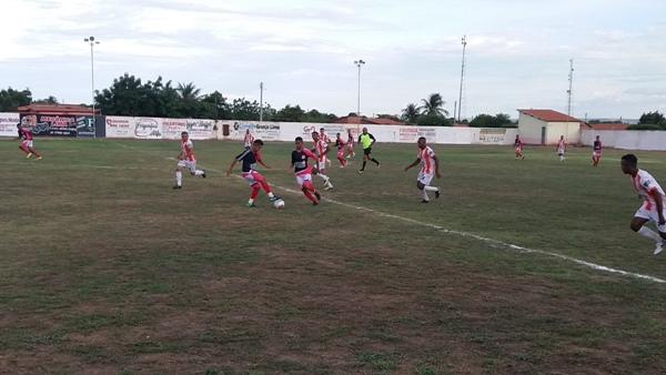 Jogo entre Vila Nova X Elite F.C