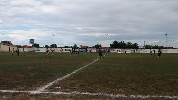 Três jogos marcaram mais uma rodada do campeonato municipal de futebol