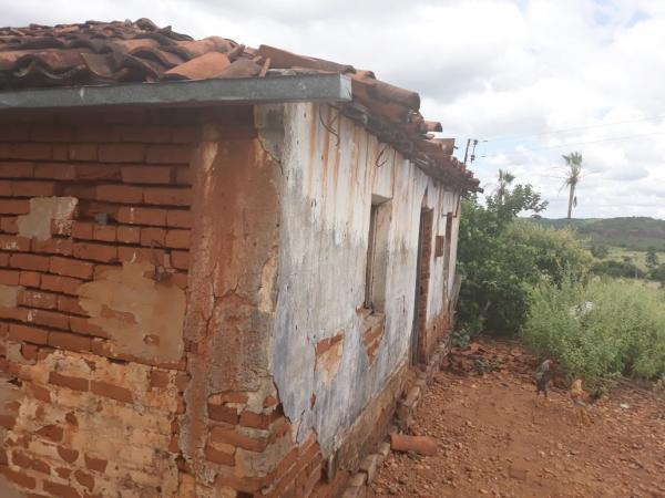 Casa onde foi encontrada o veneno (foto divulgação PM)