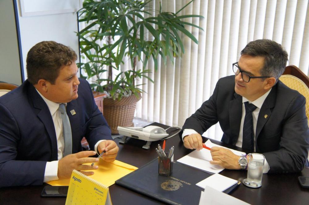 Prefeito Tairo de Santo Inácio,com o senador Ciro Nogueira
