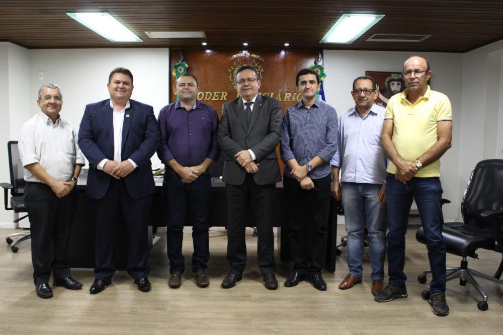 prefeitos de Santo Inácio, de Floresta e campinas no TJ-PI